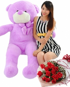 4ft Purple teddy w/12 red roses