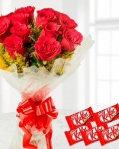 12 Red Roses Bunch - 5 Nestle KitKat